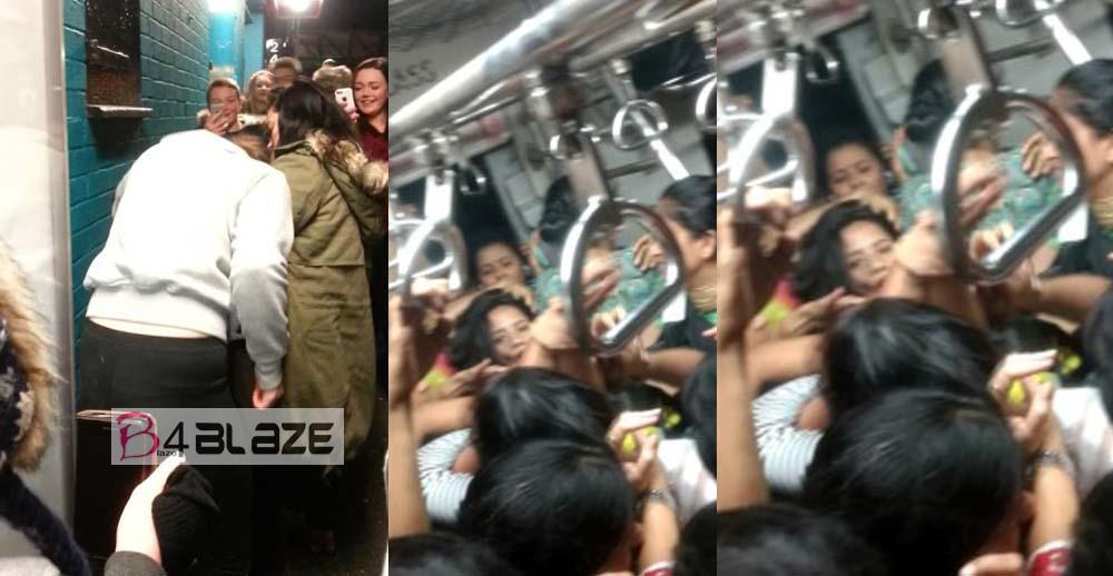women-fight-in-train
