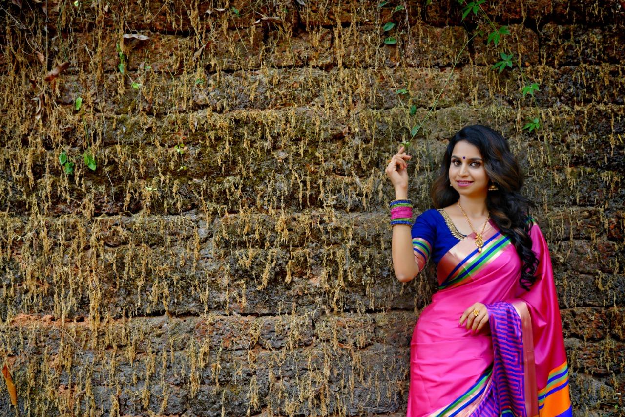 mamangam new song sung by mridula varier