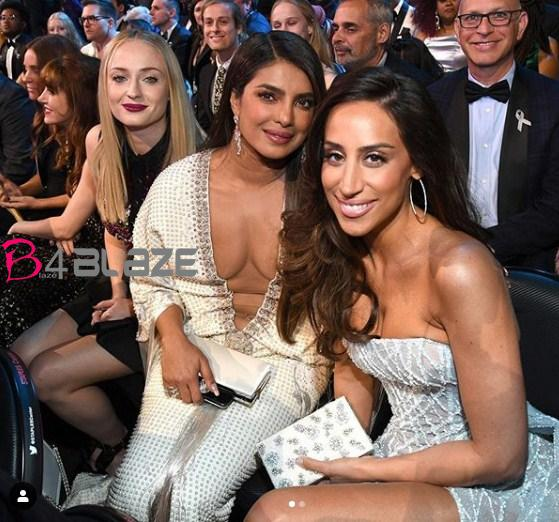 priyanka in award function