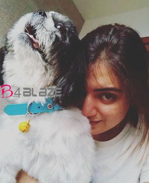 nasriya with her oreo