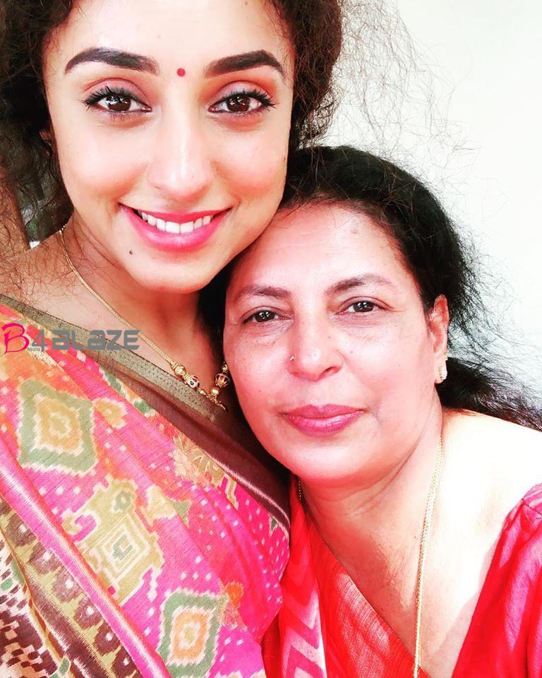 pearly with mother