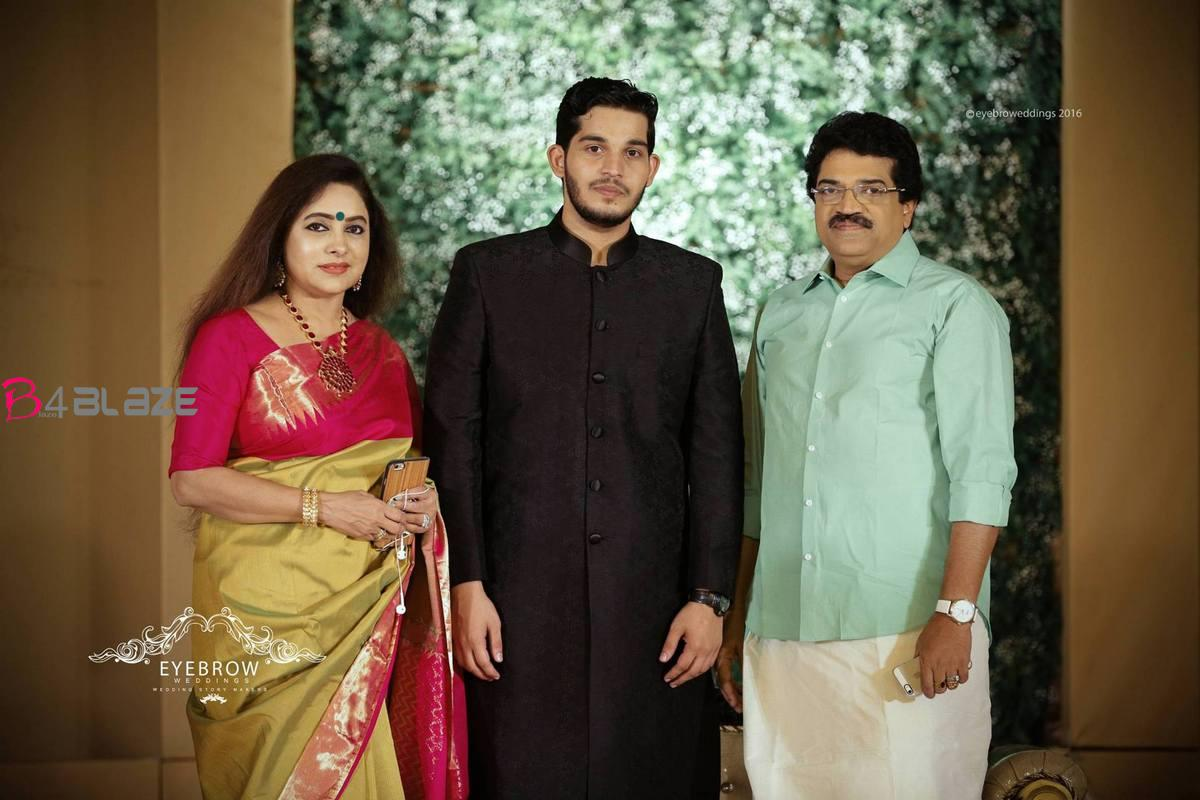 mg sreekumar with wife