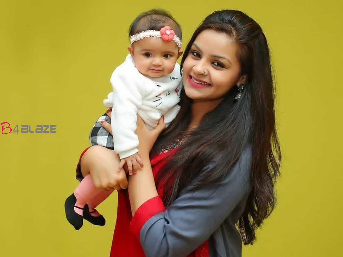 shilpa-bala-with-daughter